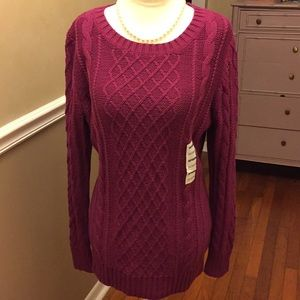 NWT Old Navy cable knit crewneck sweater